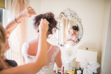 11-Bride-gets-ready-in-the-mirror-seattle-photo