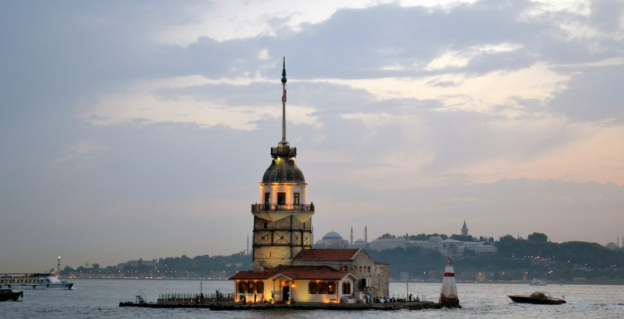 Kız Kulesi и Kız Kalesi — Девичья Башня и Девичья Крепость